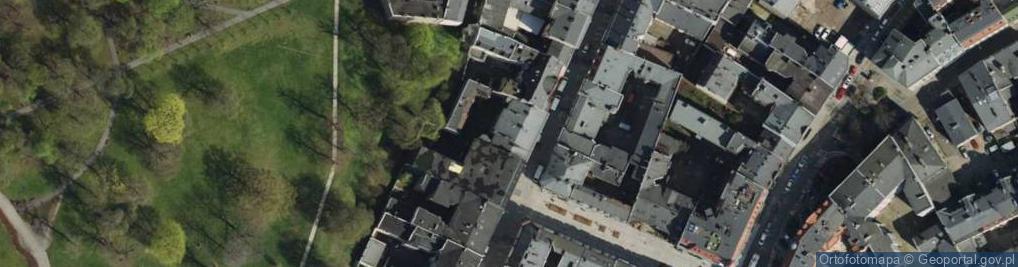 Zdjęcie satelitarne Półwiejska 22